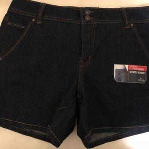 St. John Bay's Dark Denim Shorts (SIZE 10)